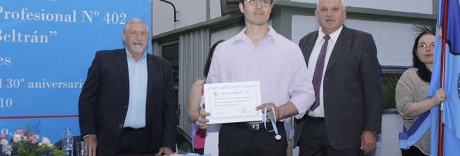 Entrega de diplomas 2016 – Centro de Formación Profesional N°402 Fray Luis Beltran
